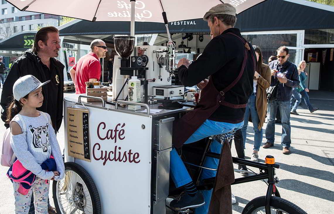 Café Cycliste produziert Espresso mit eigener Körperkraft