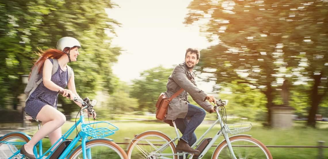 Zwei Menschen auf Diamant-Fahrrädern - Diamantrad-Blog
