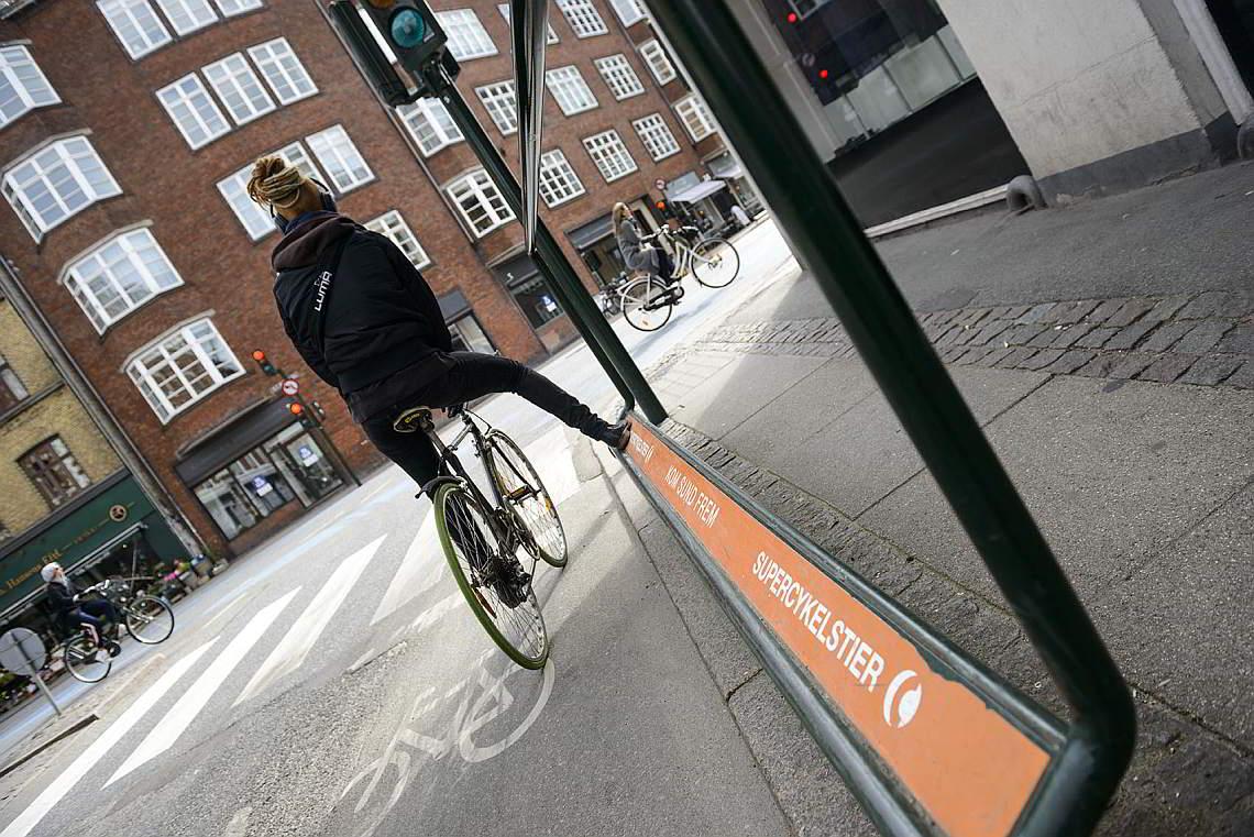 Fußstütze für Radfahrer in Kopenhagen - Diamantrad-Blog