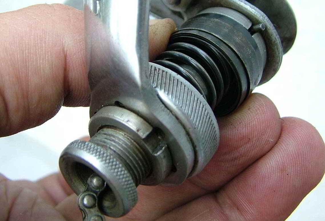 Gereinigte Spiralfeder vom Fahrrad-Schaltwerk - Diamant-Blog