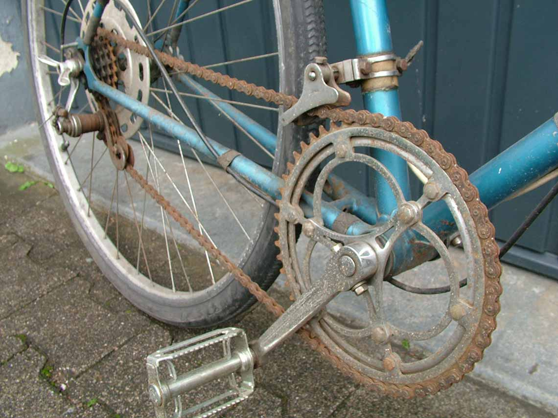 Verrostete Fahrradkette am alten Diamant-Fahrrad. - Diamant-Blog