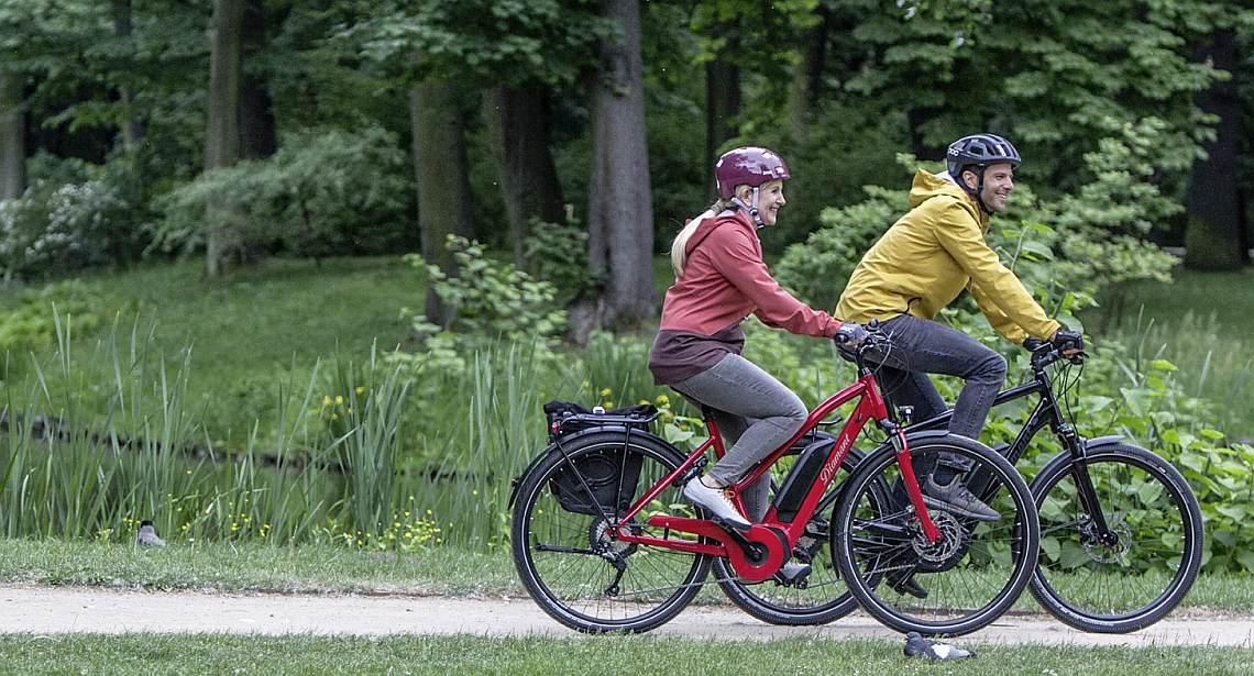 Mann und Frau auf Diamant E-Bikes - Diamantrad-BLog