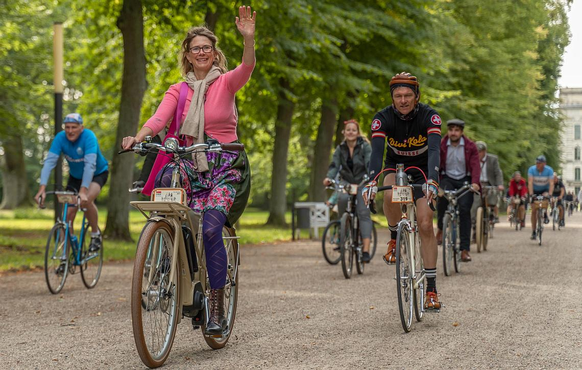Radfahrerin bei der Velo Classico Germany - Diamantrad-Blog