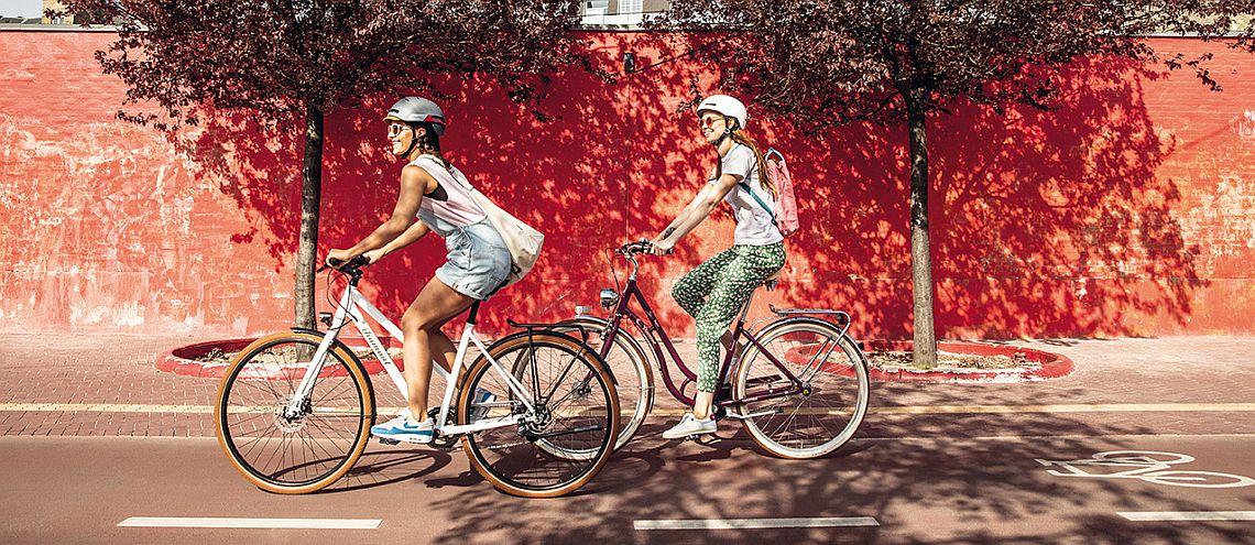 Zwei Radfahrer auf Diamantrad-Rädern - Diamantrad-Blog