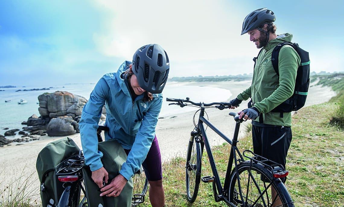 Zwei Personen mit Diamant-Fahrrädern - Diamantrad-Blog