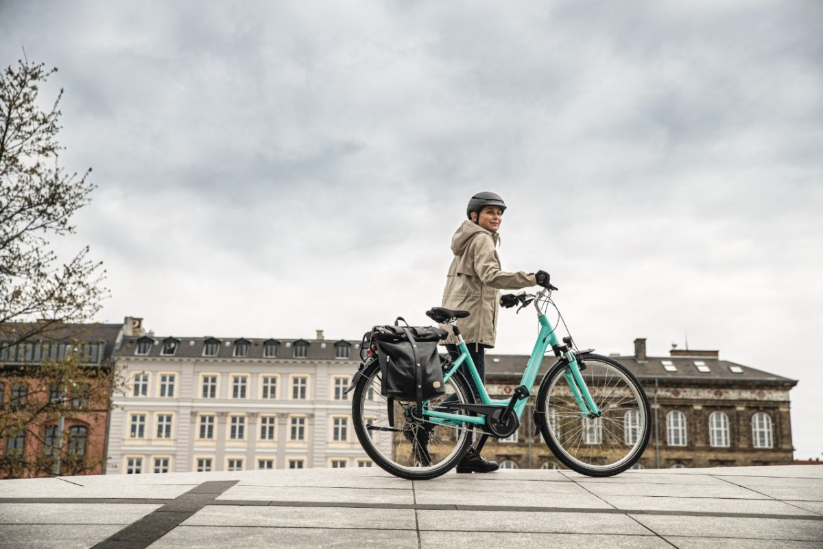 Radfahrerin mit Diamant-Fahrrad - Coronavirus und Fahrradfahren - Diamantrad-Blog