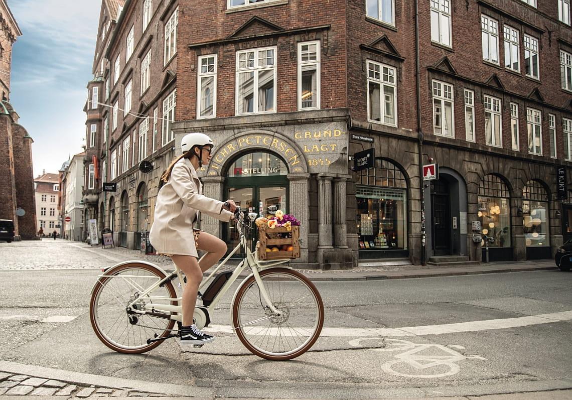 Frau auf Diamantrad - Coronavirus und Fahrradfahren - Diamantrad-Blog