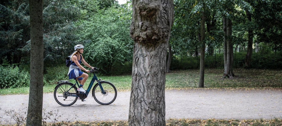 Frau auf Diamant Mandara+ - E-Bike-Akku FAQ - Diamantrad-Blog